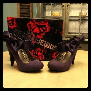 Womens Fergalicious By Fergie Purple Heels w/ Bows